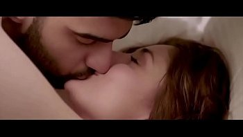 alia bhatt hot kisses